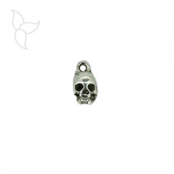 Little skull pendant