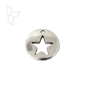 Pendente medaglia con stella tarforata