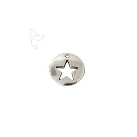 Smooth openworked star medal pendant