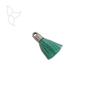 Pompon en tissu vert avec embout