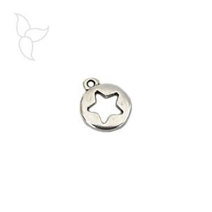 Pendentif petite medaille ajourée motif étoile