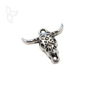 Colgante cabeza de toro color plateado y adornada