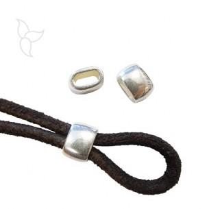 Passant cuir ovale plaqué argent cuir rond 3 mm