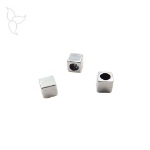 Perline cubica cuoio rotondo 2 mm