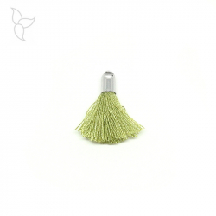 Pompon en tissu couleur olive avec embout