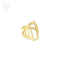 Ring 2 rings and rectangular central part gold color.
