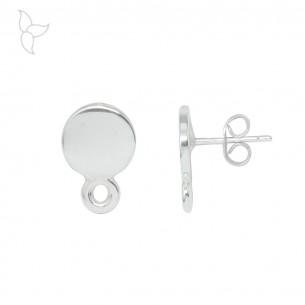 Pendiente redonda con anilla en chapa de plata.