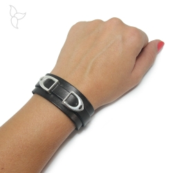 Black leather bracelet with 2 straps.