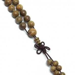 Collar de Mala hecho de 108 perlas de aloé claras.