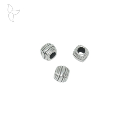 Cubic silvery beads round leather 4.4 mm