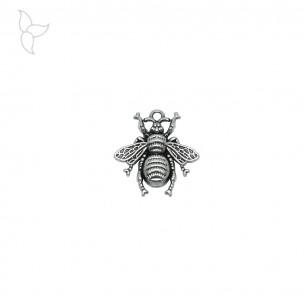 Pendentif abeille dentelée argenté