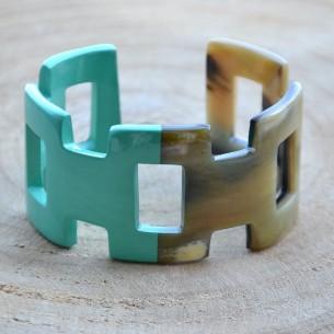 Bracelet large ouvert corne de buffle laquée bleu turquoise et naturel
