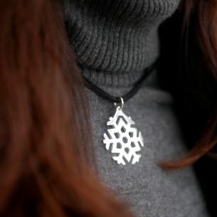 Large snowflake pendant 45 x 40 mm