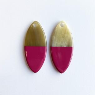 Petit pendentif ovale en corne de buffle et laque rose