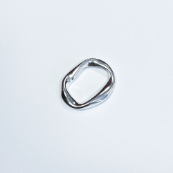 Oval worked link ring