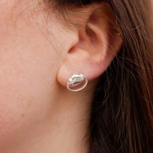 Boucle d'oreille anneau de mors plaquée argent.