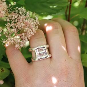 anillo Hezé H plateado
