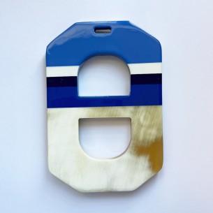 Multicolored mesh horn pendant